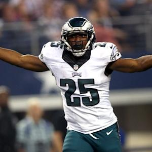 Wk 13 Can't-Miss Play: Philadelphia Eagles running back LeSean McCoy carves up Dallas defense