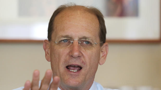 In this Tuesday, May 21, 2013 photo, Delta Air Lines CEO Richard Anderson talks during an interview, in New York. Delta Air Lines is on track for its fourth straight annual profit, its best stretch since the six years ended in 2000. (AP Photo/Mark Lennihan)