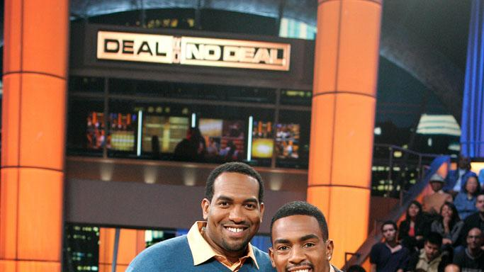 Contestant Jamal White and guest Star Comedian Bill Bellamy on Deal or No Deal.