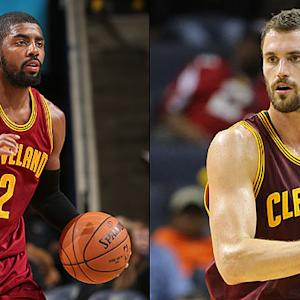 Kyrie Irving goes between the legs for sweet assist to Kevin Love