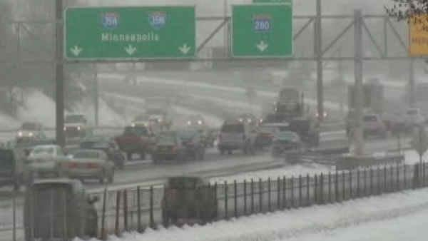 Late winter storm barrels through Midwest