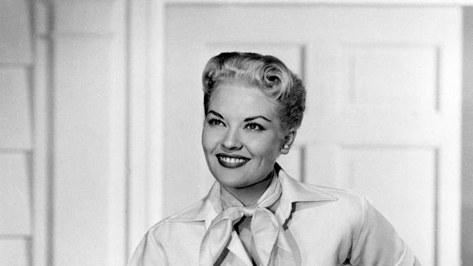 """FILE - This 1958 file photo shows singer Patti Page. Page, who made """"Tennessee Waltz"""" the third best-selling recording ever, has died. She was 85. Page died on New Year's Day in Encinitas, Calif., according to her manager.  (AP Photo, file)"""