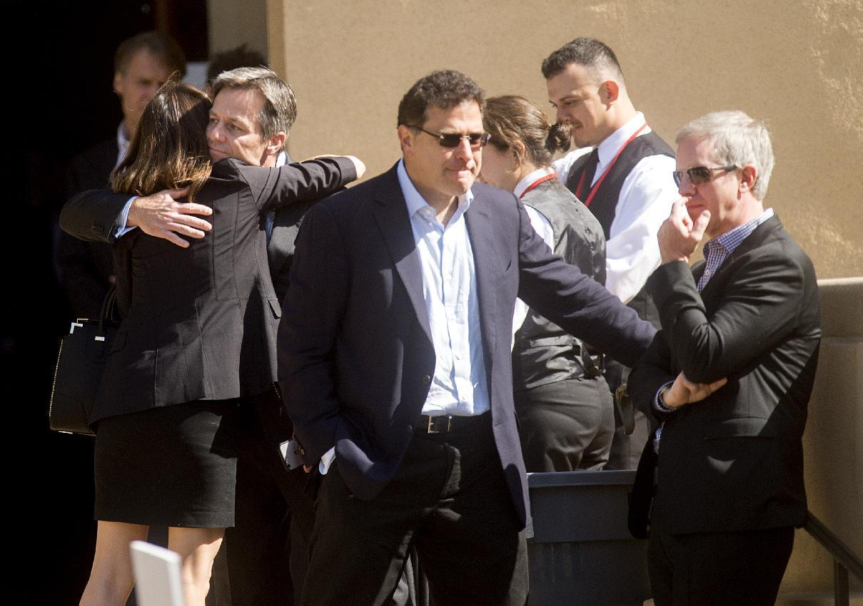Tech industry figures gather to mourn popular executive