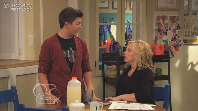 Good Luck Charlie 011713 Clip