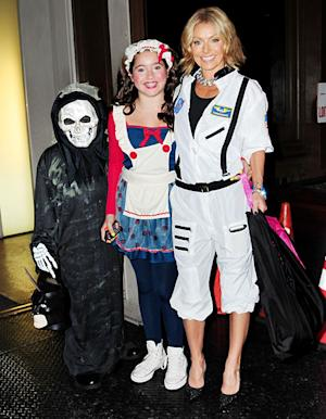 Kelly Ripa Wears Sexy Astronaut Costume With Kids After Epic Live! Halloween Show