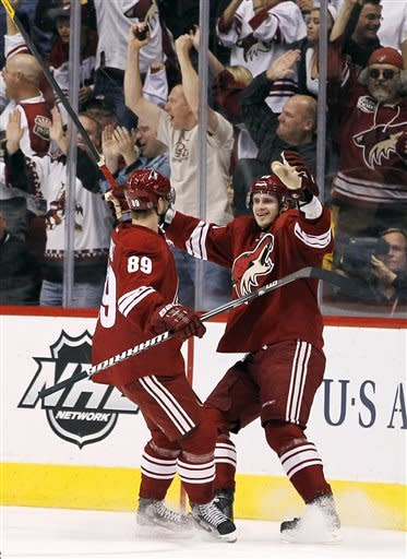 Smith, Whitney lead Coyotes' 4-0 rout of Anaheim