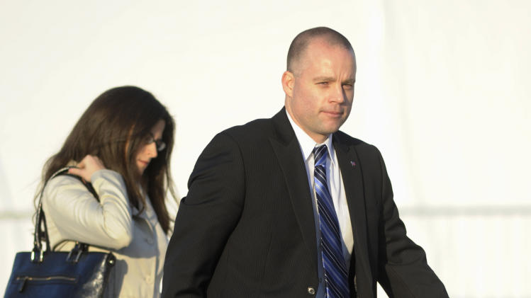 Army Pfc. Bradley Manning's civilian attorney David Coombs arrives at a courthouse in Fort Meade, Md., Thursday, Mar. 15, 2012, for a motion hearing in Manning's upcoming court-martial trial. Manning, a US Army private accused of leaking classified material to the anti-secrecy website Wikileaks could soon learn when his trial will start.  (AP Photo/Cliff Owen)