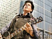 The first song &#39;Challa&#39; from SRK starrer JAB TAK HAI JAAN is out
