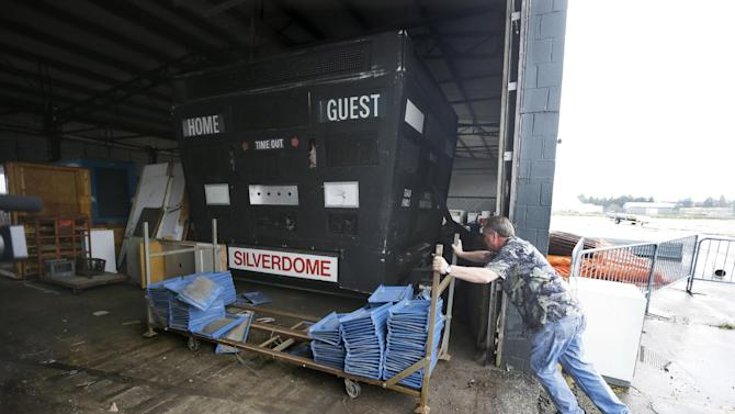 Auction of items at Silverdome nets $500,000