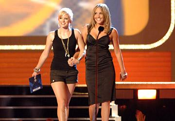 Anna Faris and Amanda Bynes MTV Movie Awards - 6/3/2006