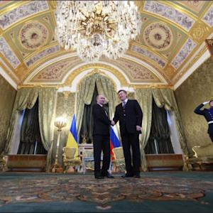 Russia Offers Ukraine Financial Lifeline