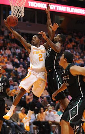 Tennessee rallies for 74-65 win over USC Upstate