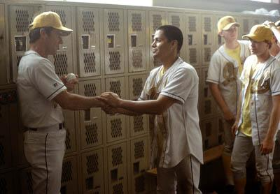 Dennis Quaid and Jay Hernandez in Walt Disney's The Rookie