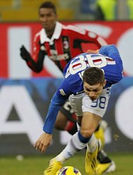 Sampdoria's Mauro Emanuel Icardi runs with the ball during their Italian Serie A match against AC Milan, at the Luigi Ferraris stadium in Genoa, on January 13, 2013. Sampdoria have enjoyed a rich run of form lately, scoring nine goals in their last three games. Their next match is on Sunday when they visit Napoli