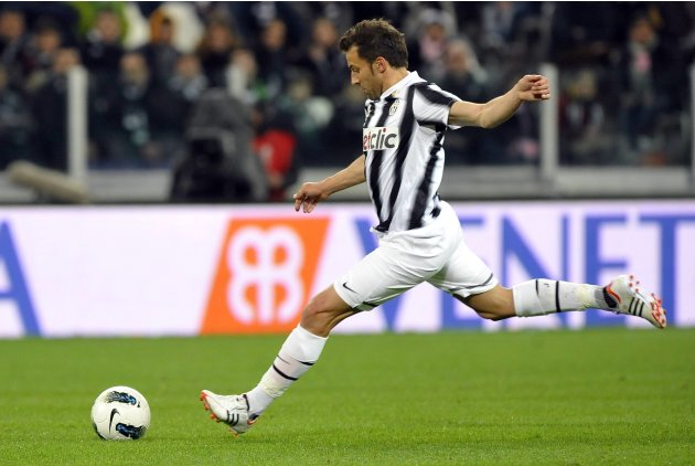 Juventus' Del Piero shoots and scores a free kick against Lazio during their Italian Serie A soccer match at Juventus stadium in Turin