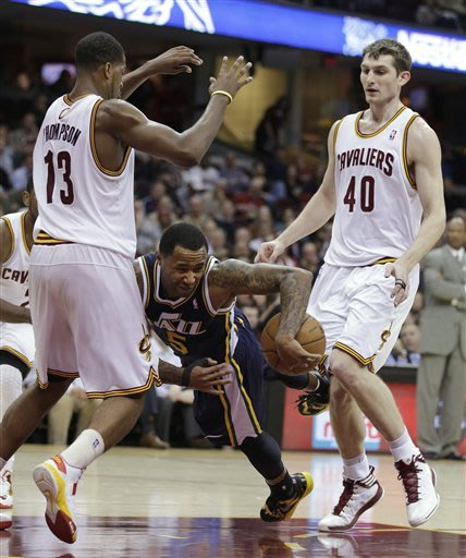 Irving rallies Cavs to 104-101 win over Jazz