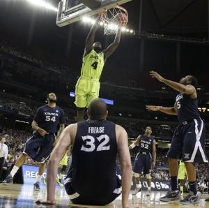 Acy, Baylor hold off Xavier, 75-70