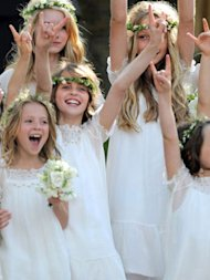 Kate Moss &amp; Sadie Frost's Mini-Me Supermodels in Training! Lila and Iris Take A Pose