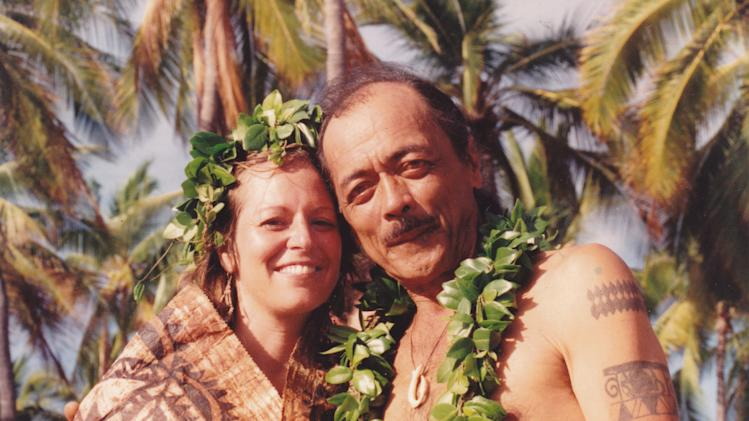 "This 1992 photo provided by Janice ""Lokelani"" Keihanaikukauakahihuliheekahaunaele shows Keihanaikukauakahihuliheekahaunaele, left, and her husband Keihanaikukauakahihuliheekahaunaele at their wedding in Honaunau-Napoopoo, Hawaii. Keihanaikukauakahihuliheekahaunaele doesn't have an official identification card with her correct name on it because county officials are unable to fit her last name onto either her driver's license or state ID card. (AP Photo/Janice ""Lokelani"" Keihanaikukauakahihuliheekahaunaele)"