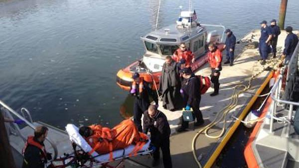 1 missing, 2 rescued after boat capsizes in Delaware Bay