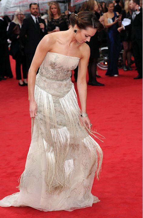 | Celebrity wardrobe malfunctions at TV BAFTAs 2013 - Yahoo! omg! UK