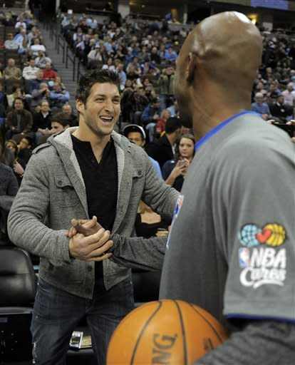Billups leads Clippers to 109-105 win over Nuggets