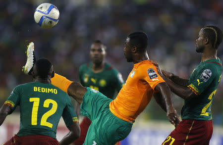 Ivory Coast beat Cameroon to set up Algeria clash