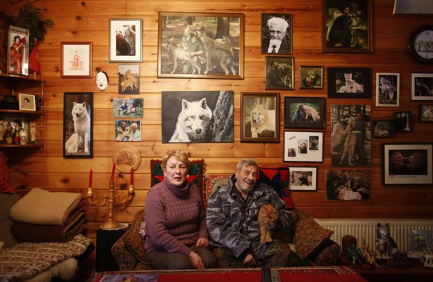 Wolf researcher Freund wife Erika sit in living room of their home near Wolfspark Werner Freund in Merzig