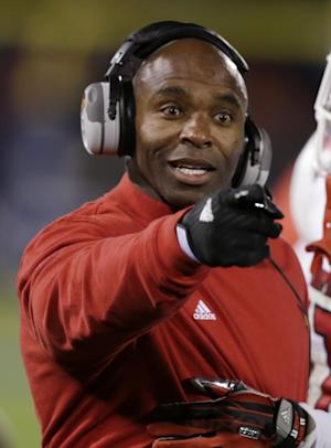 AP Source: Louisville to pay $11mil AAC exit fee