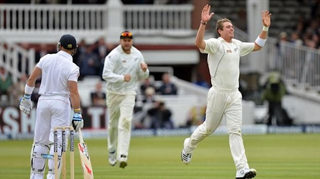 Tim Southee, right, celebrates the dismissal of Matt Prior