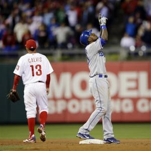 Herrera lifts Dodgers over Phillies