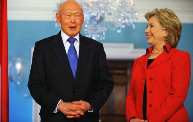 Former Minister Mentor Lee Kuan Yew refutes claims he called Islam 'venemous' during a meeting with US Senator Hillary Clinton in 2005. Photo shows Lee and Clinton at a meeting in 2009.