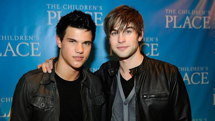 Taylor Lautner and Chace Crawford attend the Children's Place backstage at Nickelodeon's 2009 Kids' Choice Awards at UCLA's Pauley Pavilion on March 28, 2009 in Westwood, California.
