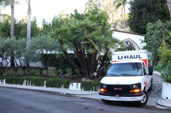 Moving Truck At Robert Pattinson & Kristen Stewart's Home