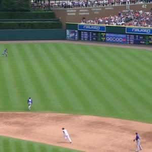 Kinsler's two-run triple