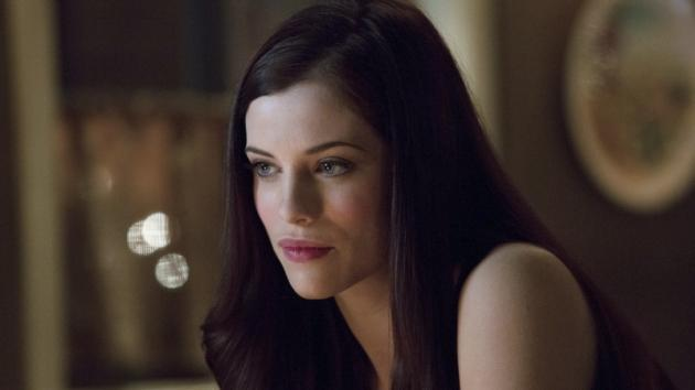 Jessica De Gouw as The Huntress in The CW's 'Arrow' -- The CW