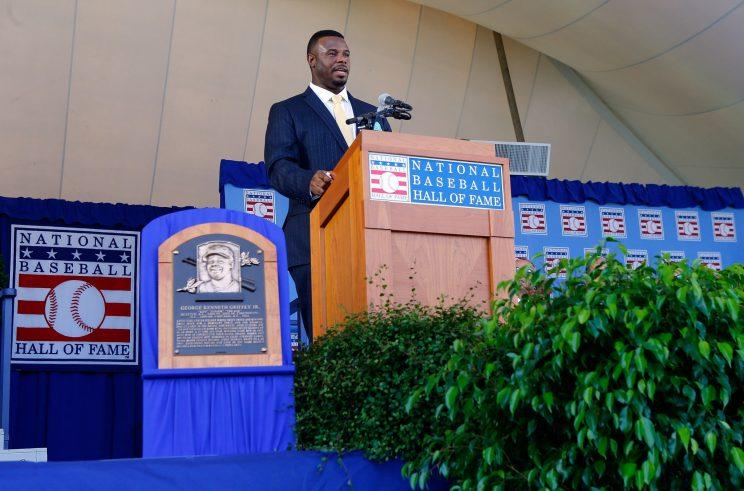 Ken Griffey Jr.'s Hall of Fame suit contained a secret message