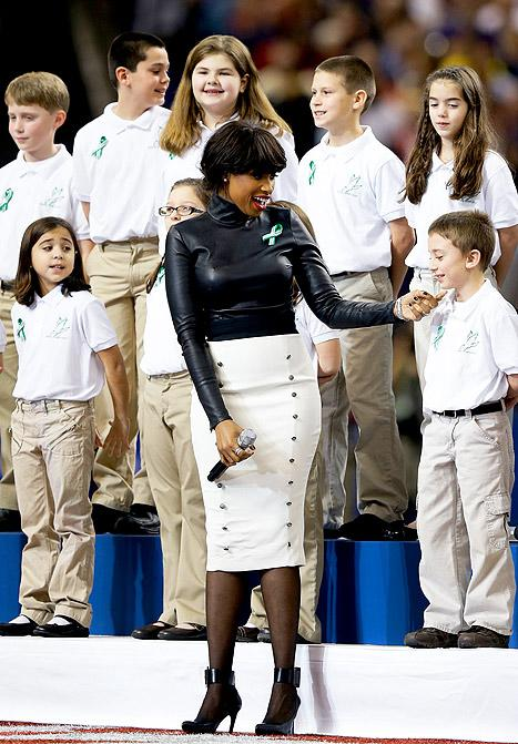 "Jennifer Hudson: Super Bowl Performance With Sandy Hook Students Was ""Emotional"" and ""Overwhelming"""