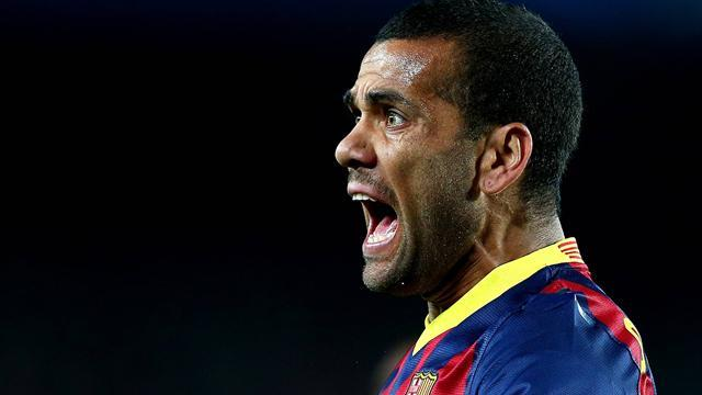 Ligue 1 - Report: Dani Alves agrees to PSG move
