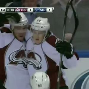 Nathan MacKinnon scores five-hole
