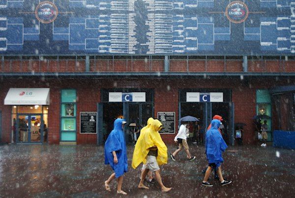 US OPEN SCENE: Rain comes too late for Sharapova