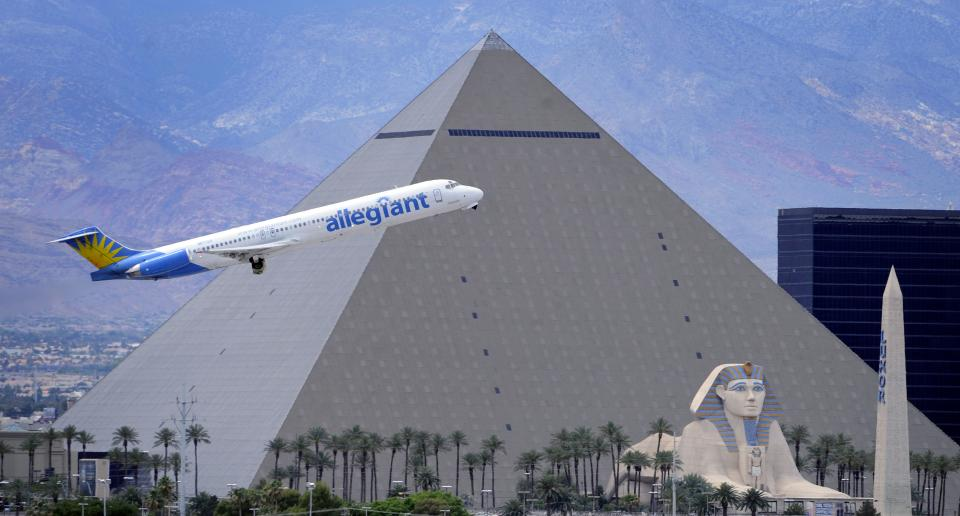 Tiny Allegiant Air thrives on low costs, high fees