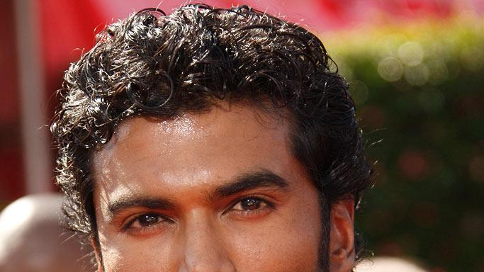 Sendhil Ramamurthy arrives at the 59th Annual Primetime Emmy Awards at the Shrine Auditorium on September 16, 2007 in Los Angeles, California.