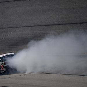 Harvick loses engine in final practice