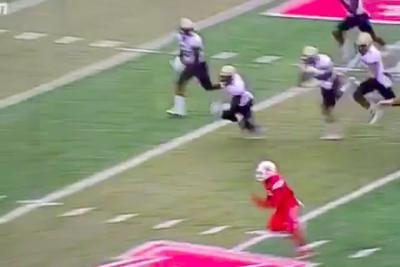 Houston WR makes leaping one-handed catch, spins his way to TD