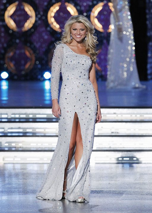 Erin Hatley, Miss Tennessee, competes as one of the top 10 in the evening gown competition during the The 2012 Miss America Pageant at the Planet Hollywood Resort & Casino on January 14, 2012 in Las V