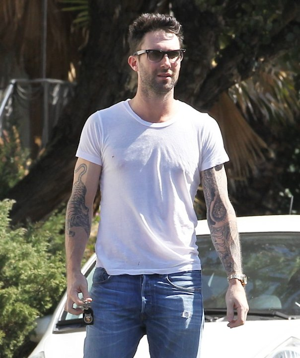 EXCLUSIVE Adam Levine in a sexy tight white tee shirt