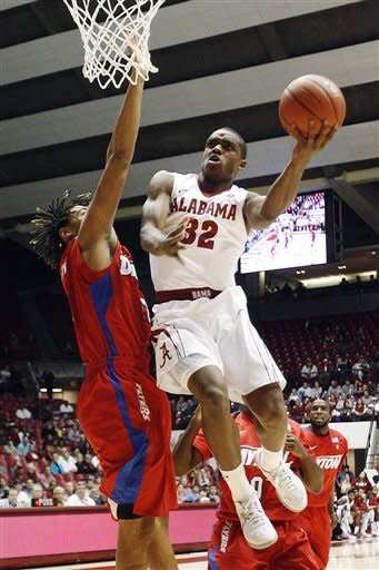 Dillard leads Dayton past Alabama 81-76