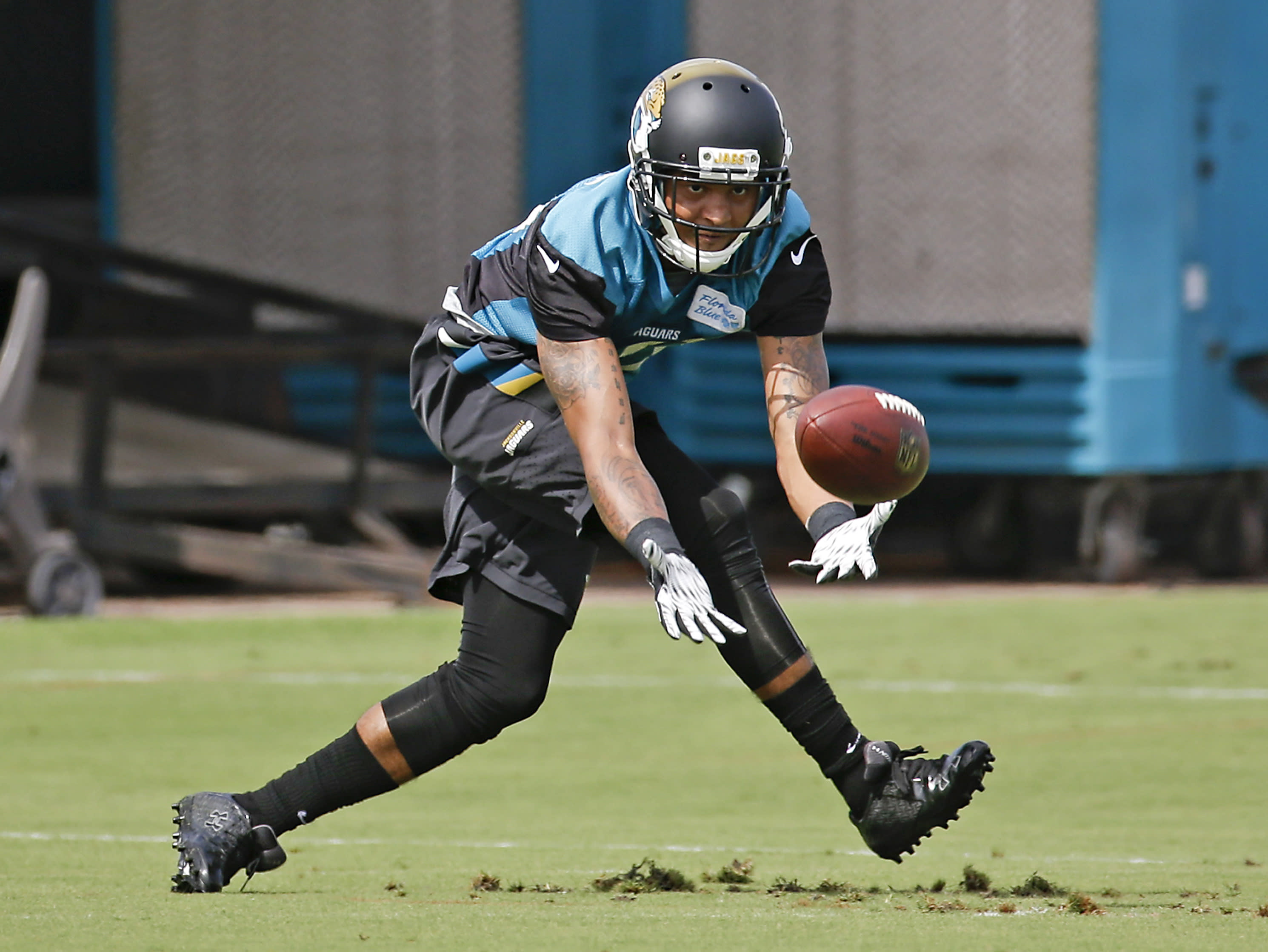 No show: Jaguars' Clemons skips start of voluntary OTAs