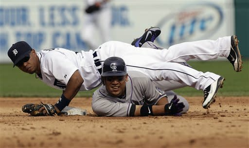 Fister wins in return from DL, Tigers beat Rockies